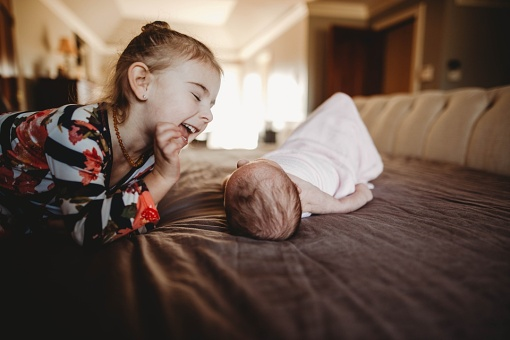 Kayla Lunde Chicago Documentary Newborn (17)