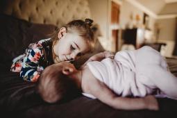 Kayla Lunde Chicago Documentary Newborn (18)