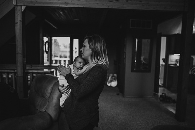 Kayla Lunde Chicago Documentary Newborn (60)
